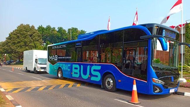 mab-bus-listrik-pertama-menggelinding-di-indonesia