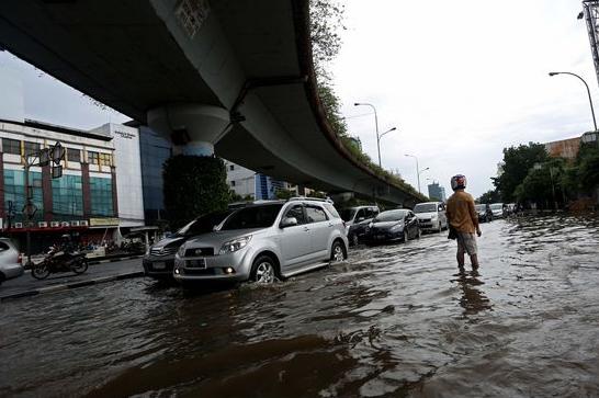 ciri-mobil-bekas-pernah-terendam-banjir-dan-tabrakan-