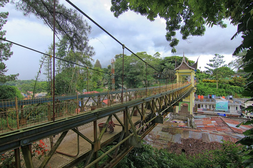 jembatan-limpapeh-jembatan-nan-anggun-dari-bukit-tinggi