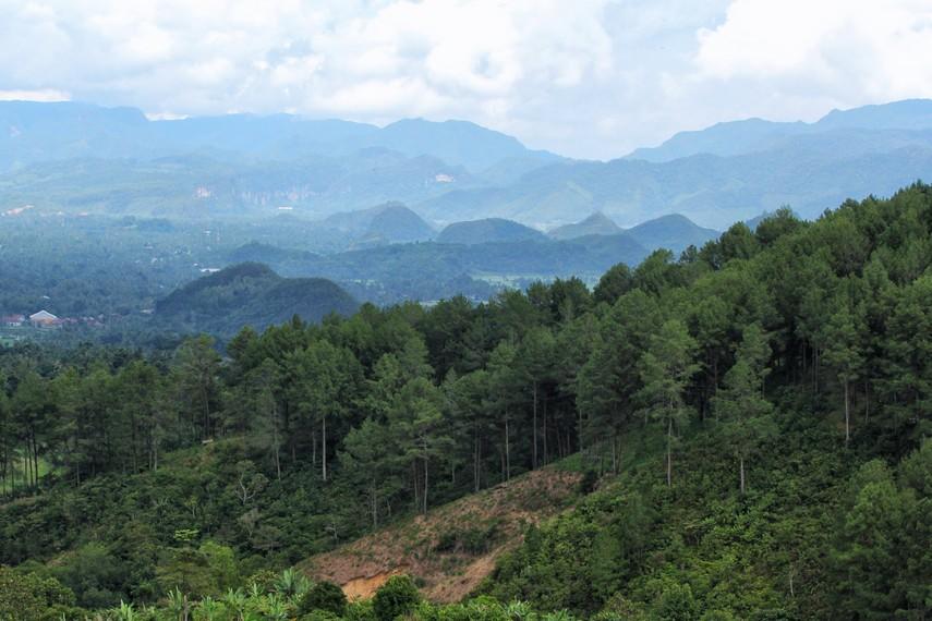 panorama-puncak-ampangan-lukisan-alam-nan-indah-di-kaki-gunung-sago