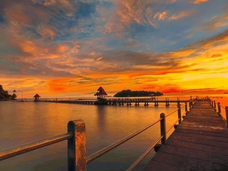 pantai-carocok-painan-destinasi-wisata-air-terlengkap-di-sumatera-barat